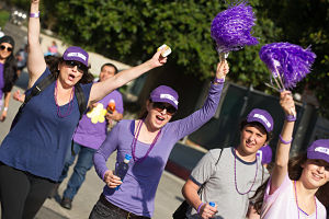 LA_Walk_Walkers_Cheer_2013